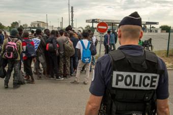 policiers et refugies